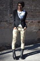 black Bamboo boots - dark khaki floral skinny Tobi jeans - beige Tobi belt
