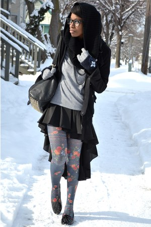 blue floral modcloth tights - black infinity UrbanOG scarf - black VJ Style bag