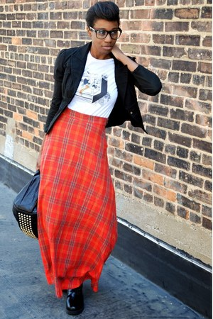 ruby red plaid maxi Kersh skirt - black Hot Topic boots