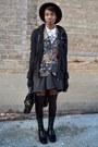 Pink-vintage-floral-thrifted-blazer-black-urbanog-boots