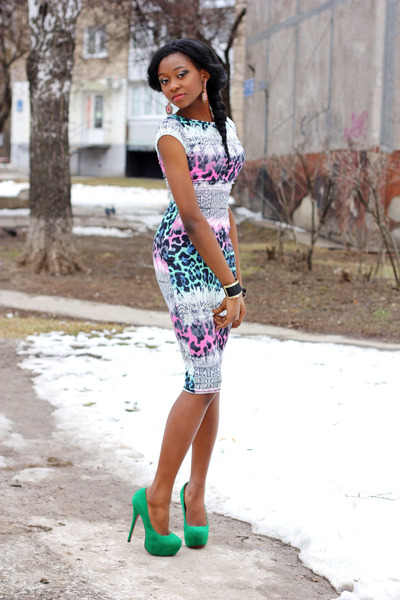 02f6e0f48e96 dress - heels