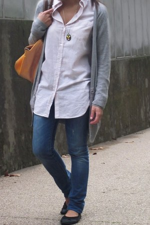 blue Zara jeans - light pink H&M shirt - gold Zara bag - black Primark flats