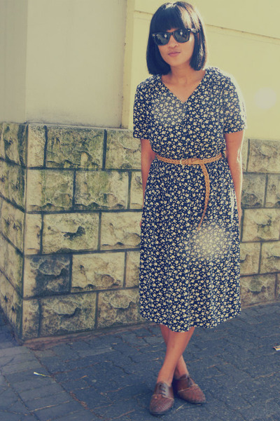 floral thrifted vintage dress - woven Forever New belt