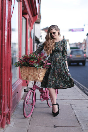 dark green retro Mrs Pomeranz dress