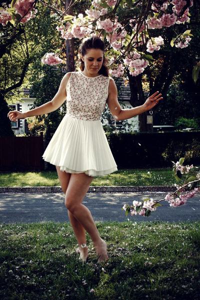 Jones Dress