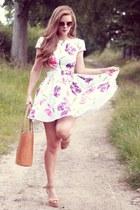tan shopper bag Handpicked collection bag - beige wooden wedges Zara shoes