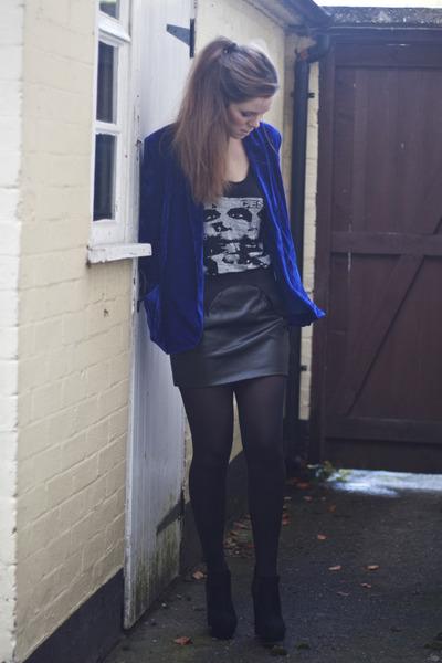 blue blue velvet JARLO blazer - black faux leather JARLO skirt