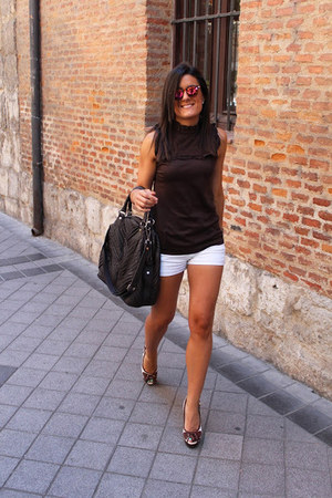 Zara shorts - Zara top - Zara glasses