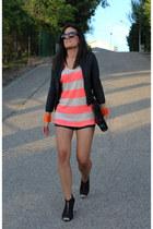 Zara shorts - Zara t-shirt - Bershka bracelet