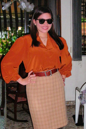 Ray Ban glasses - shirt - Fossil belt - Jones New York skirt - necklace - Anne K