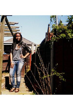brown Miss Selfridge coat - gray Bershka top - blue Bershka denim jeans - brown