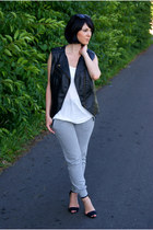 black Cubus sunglasses - white H&M top - periwinkle Zara pants