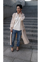 cream trench coat Front Row Shop coat - turquoise blue Zara jeans