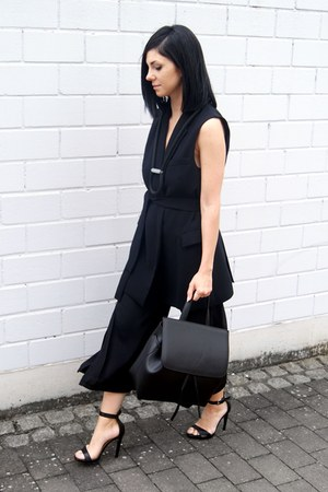 black Hieleven bag - black My LifeBox necklace - black shein pants