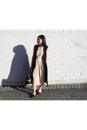 black Zara shoes - neutral Paisie dress - black Hieleven bag