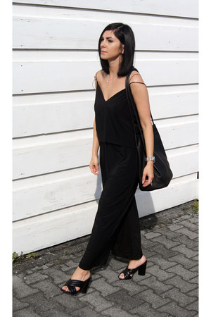 black Jessica Buurman shoes - black markberg bag - black SQR Studio top