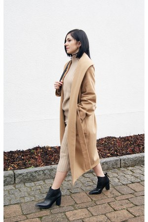 beige Sheinside sweater - black Charles & Keith shoes - tan Mango coat