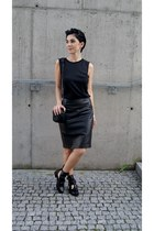 black buckle Choies boots - black Mango bag - black leather skirt H&M skirt