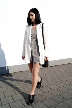 black H&M shoes - white Mango blazer - black Emily Cho bag - gold Cradle ring