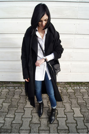 black asos coat - navy The Design Republik jeans - white Outfit Format shirt