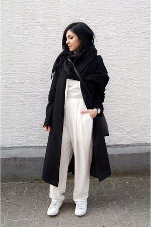 black sammydress coat - white Zara shoes - black Cubus scarf
