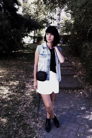 sky blue jeans Cubus vest - black Zara boots - black Mango bag