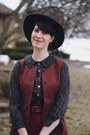 Dark-green-plaid-new-old-fashion-dress-black-wide-brimmed-urban-outfitters-hat