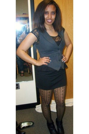 black boots - black Forever 21 dress - dark gray BB Dakota vest