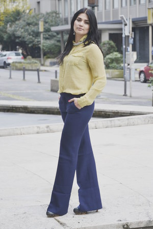 navy Zara pants - light yellow shiny Vero Moda blouse