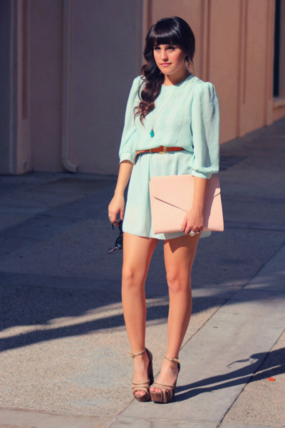 Light-blue-mint-chiffon-vintage-dress-light-pink-clutch-envelope-purse_400