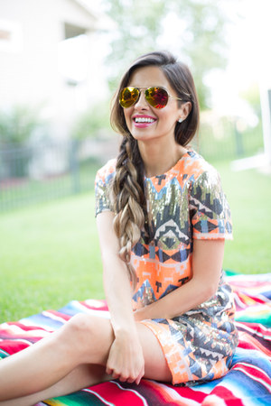 carrot orange Nordstrom dress - carrot orange Nordstrom sunglasses