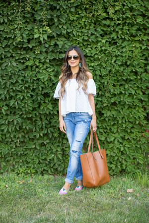 bubble gum mara hoffman flats - blue Zara jeans - brown madewell bag