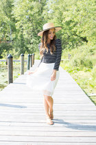 black Forever 21 top - beige Urban Outfitters hat - white Loft skirt