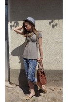 random brand hat - animal print random brand scarf - tawny Oriflame bag