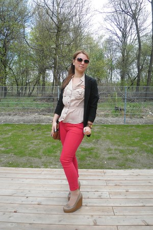 red jeans - black blazer - tan wedges - New Yorker watch