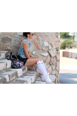 black backpack Pimkie bag - black pleather BLANCO shorts