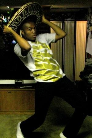 obey t-shirt - H&M pants