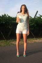 light blue lace H&M top - white Stradivarius shorts