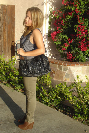 blue Mink Pink top - beige Forever 21 pants - brown Forever 21 shoes - black DIY