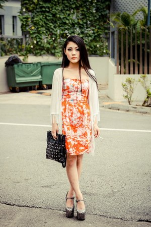 carrot orange Zara dress - black Thomas Wylde bag