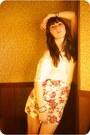 Eggshell-kolhs-shirt-salmon-floral-print-forever-21-skirt