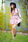 Floral-oasap-dress-h-m-hat