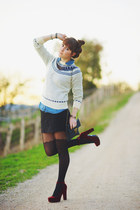 sky blue anchor pattern vintage sweater - black canvas naomi andf lavender bag