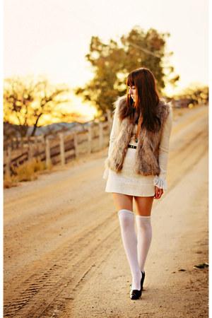 faux fur Collection B fuax fur vest vest - ivory lace 60s vintage dress
