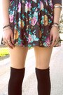 Charcoal-gray-shirt-black-socks-magenta-flower-forever-21-skirt