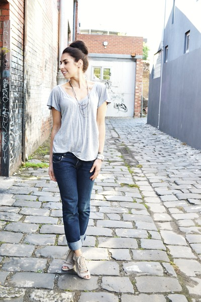 navy denim jeans supre jeans - heather gray grey tee Sportsgirl t-shirt - nude n