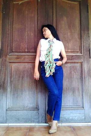 tights - jeans - scarf - bracelet - shoes