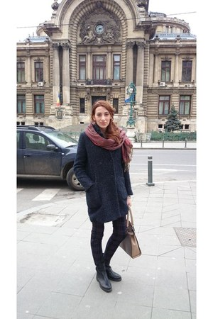 Zara boots - linen Zara coat - Musette bag - Zara pants