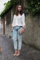 sky blue Zara jeans - eggshell Zara shirt - peach Laltramoda bag