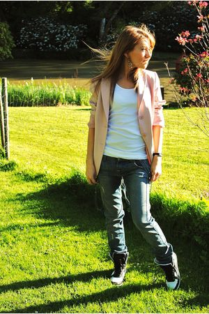 pink blazer - white top - blue Fornarina jeans - shoes